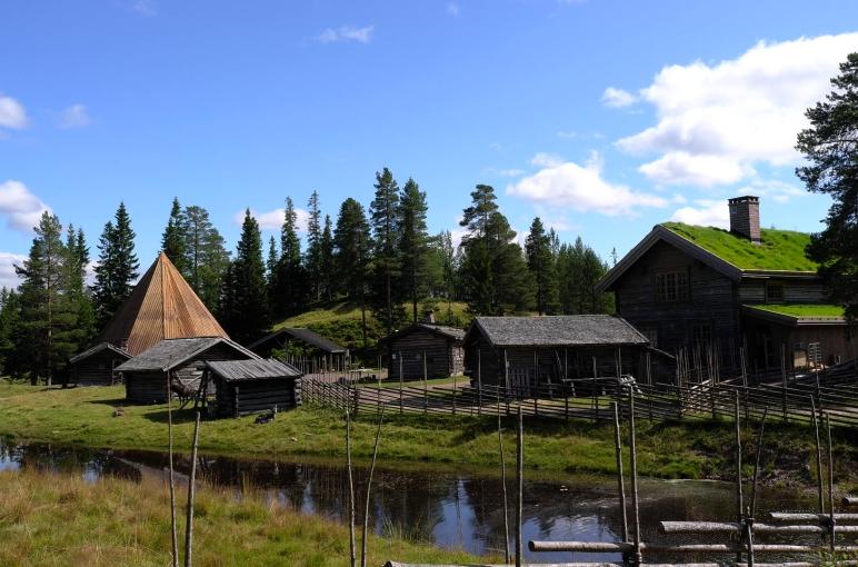 Sommaröppet, Lindvallens Fäbod, levande fäbod, ponnyridning, häst och vagn, Put n' Take fiske