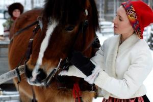 Dalarna, dalaliv, fäbodar sälen, häst och släde, Lindvallens Fäbod, Jonas i Sälen, folkdräkt sälen, folkdräkt dalarna, scandinavian mountains, skiing sweden, winter sweden